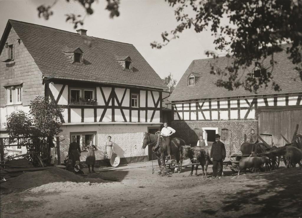 آگوست زاندر. مزرعهای در Westerwald، 1922