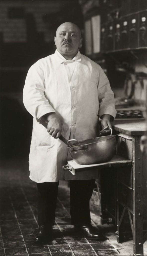 آگوست زاندر. شیرینیپز، 1928