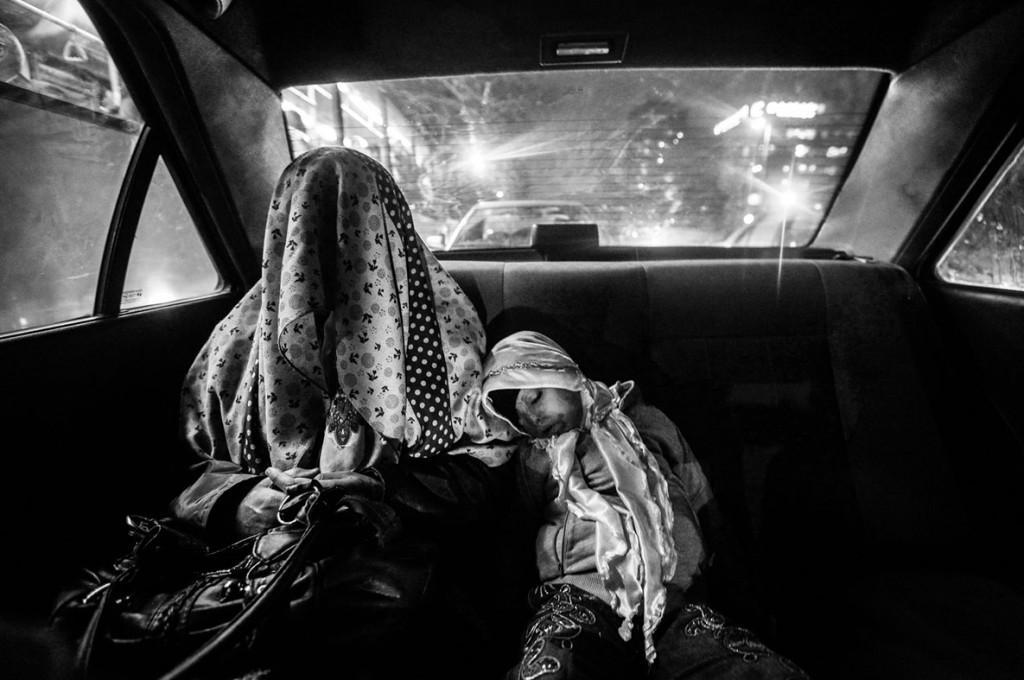 یونس خانی. از مجموعهی «سوختن فرشتگان». از فینالیستهای مسابقه عکاسی سیاه و سفید لنزکالچر 2020
