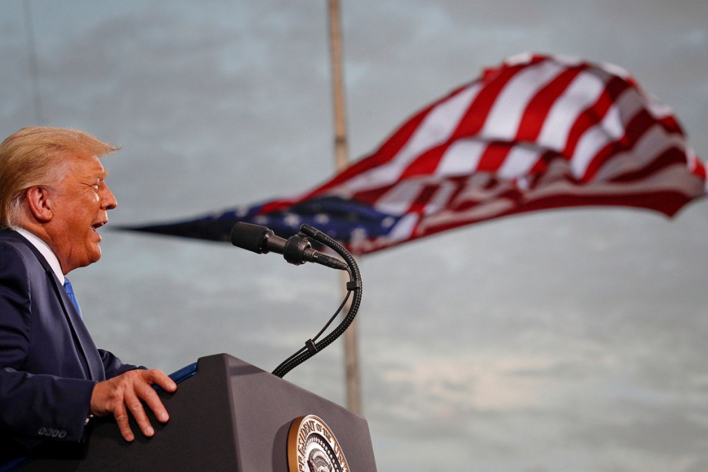 Tom Brenner از رویترز. دانلد ترامپ در حال سخنرانی طی مبارزات انتخاباتی ریاست جمهوری 2020 آمریکا در فرودگاه سسیل، جکسنویل، فلوریدا، 24 سپتامبر 2020