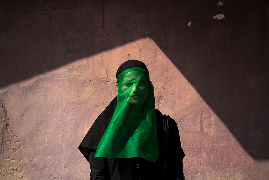 محمدحسین مددی. «چهل منبری»، مدال برنز بخش تکعکس دسته «نسل آینده» مسابقه عکاسی نیکون 2018 – 2019