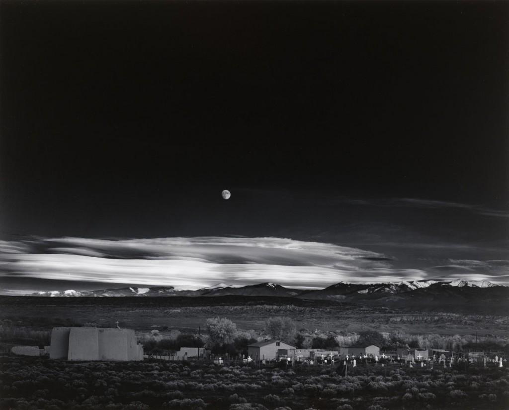 انسل آدامز. طلوع ماه بر فراز هرناندز، نیومکزیکو، 1941