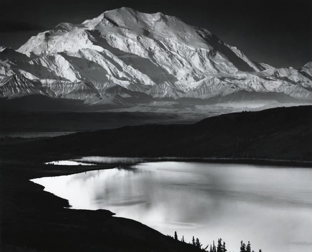 انسل آدامز. کوه مککینلی و دریاچهی واندر لِیک، آلاسکا، 1947