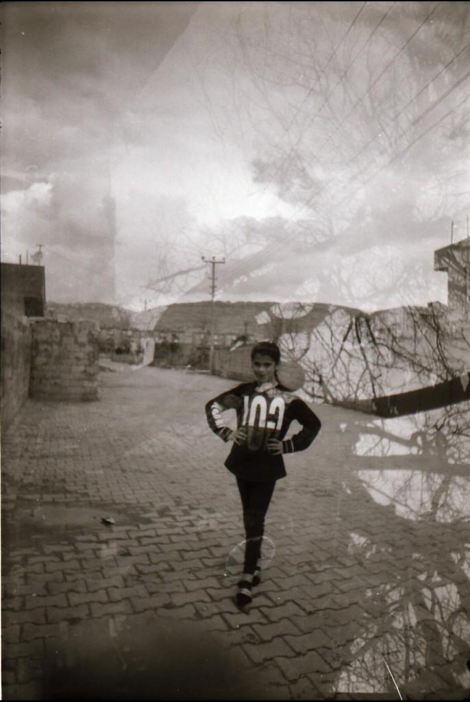 عایشه (9 ساله) از ماردین، ترکیه. تکنیک نوردهی دوگانه