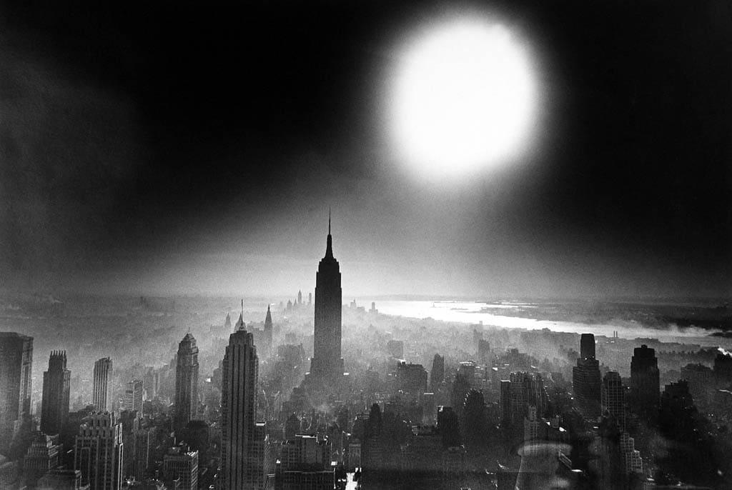 ویلیام کلاین. «آسمان بمب اتمی، نیویورک»، 1955