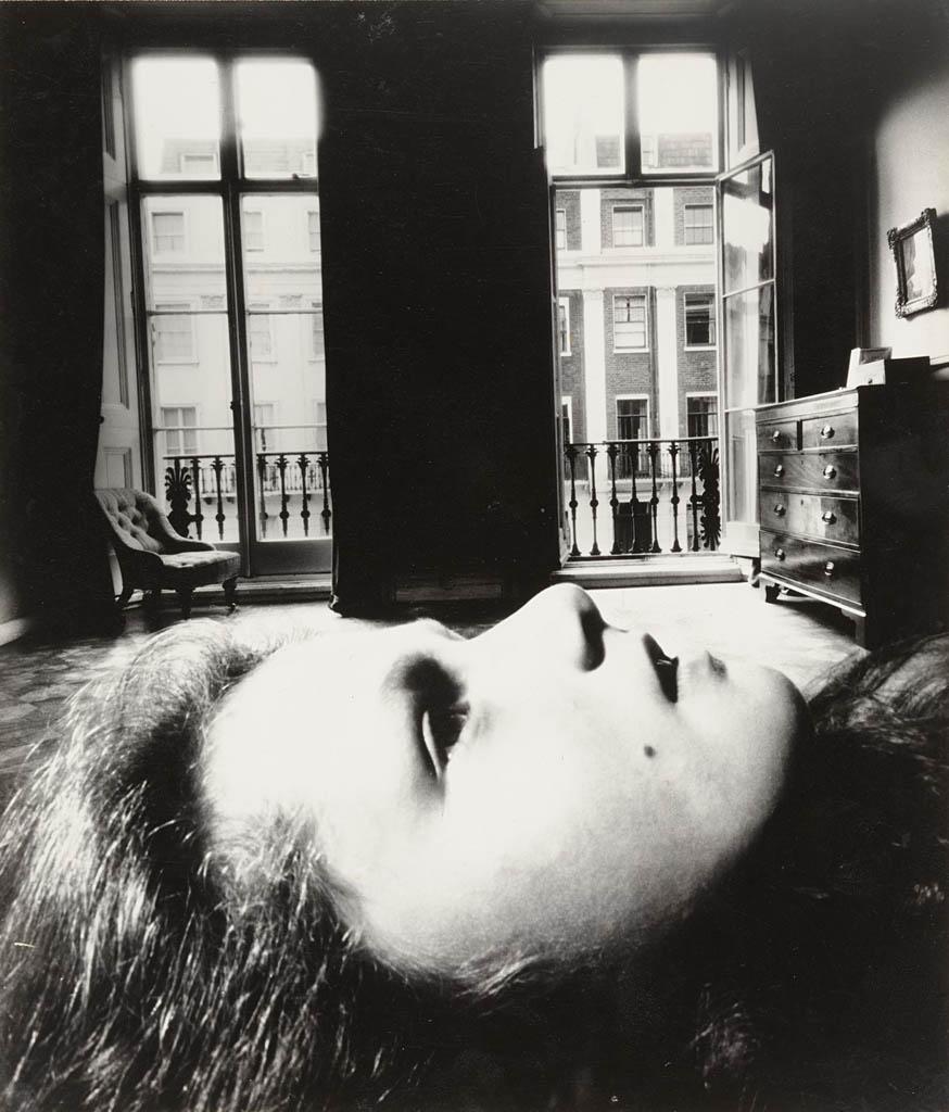 بیل برانت. «پرتره دختری جوان، ایتن پلِیس»، 1955