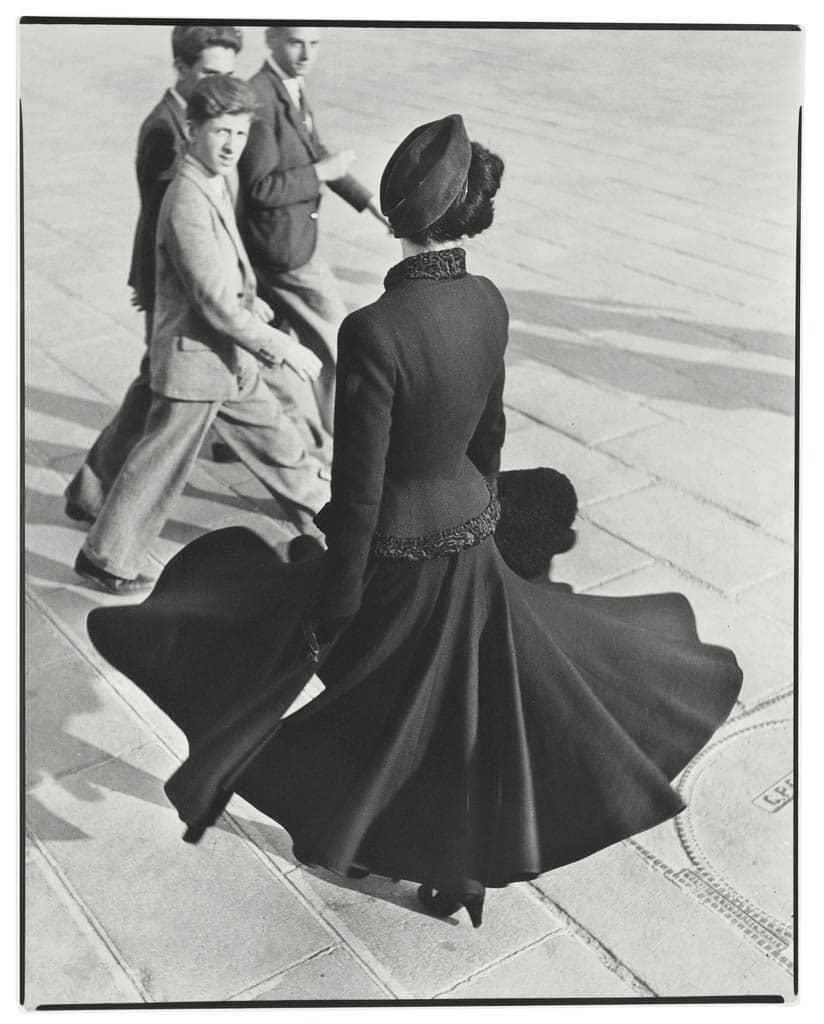 ریچارد اودان. «رنه، دیور، پلاس دو لا کونکورد، پاریس»، آگوست 1947