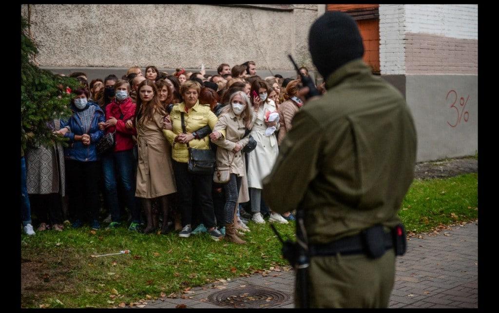 Yauhen Yerchak. بلاروس، «اعتراض صورت یک زن را دارد»، از شش عکس برگزیده جایزه عکاسی Allard Prize November 2020