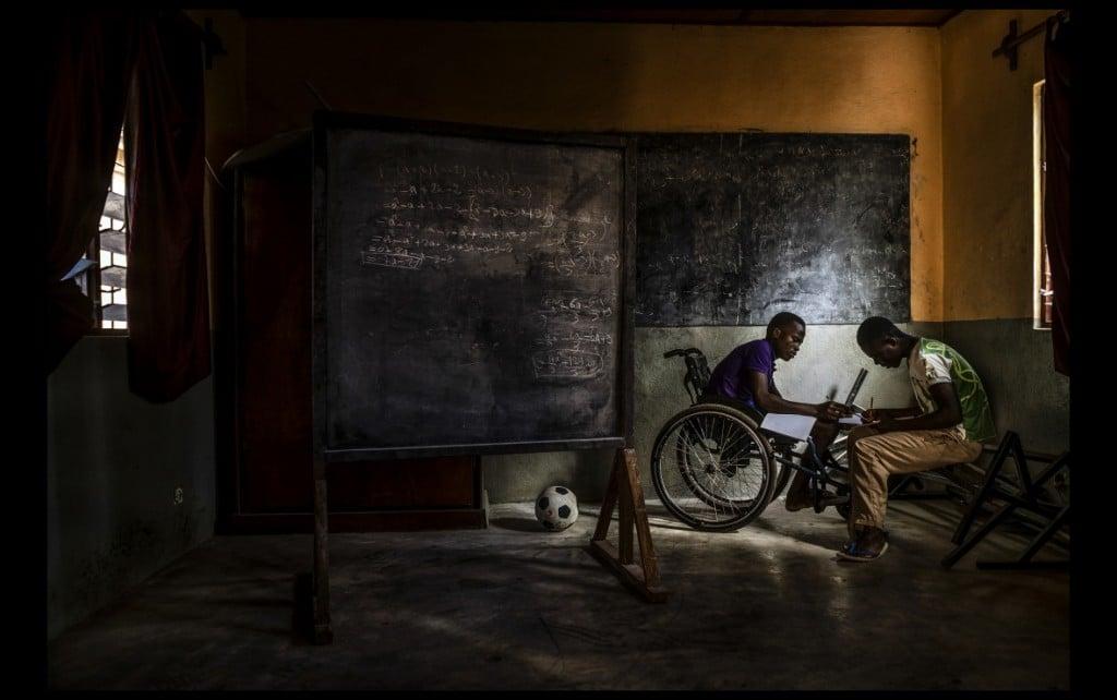 Antonio Aragón Renuncio. توگو، «طلب علم»، از شش عکس برگزیده جایزه عکاسی Allard Prize November 2020