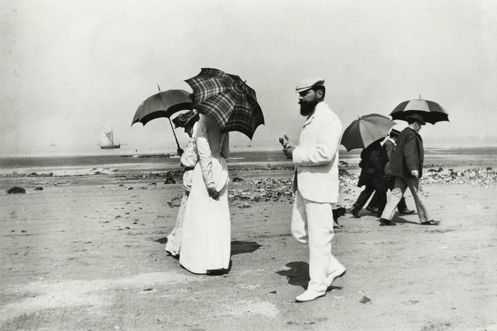 ژاک آنری لارتیگ. «از بستگانم کارو و آقای پلانتِوینیه، ویلِرْویل، فرانسه»، 1906
