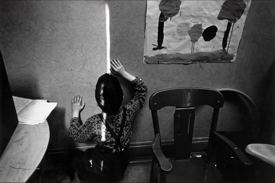 قدرت عکاسی: چارلز هاربت، کودک نابینا