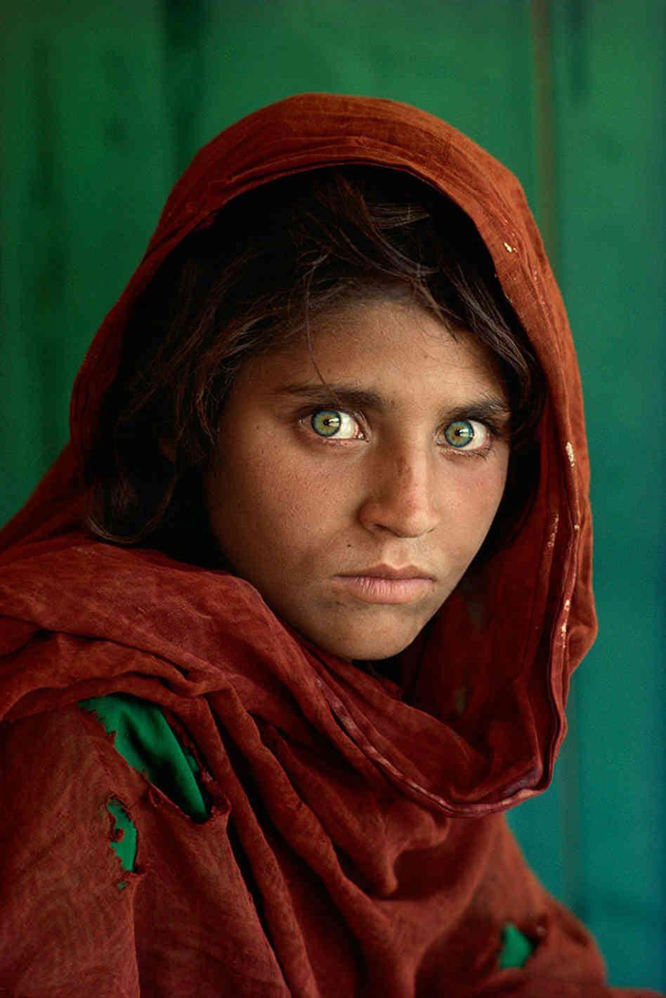 قدرت عکاسی: استیو مککری، دختر افغان
