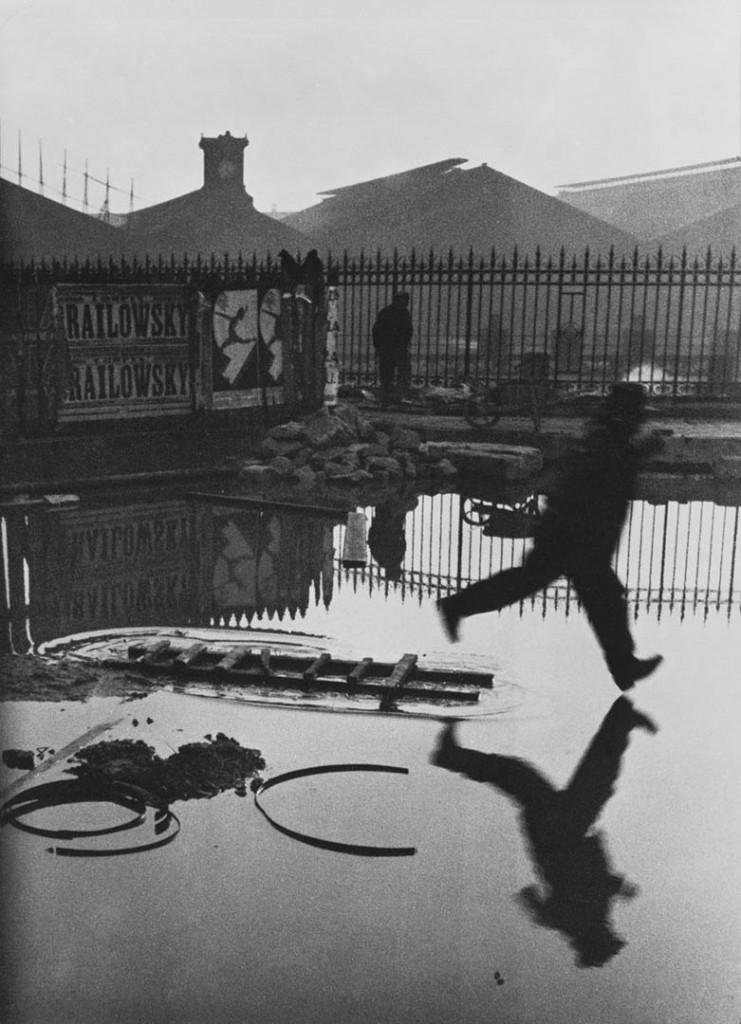 آنری کارتیه برسون. «پشت ایستگاه سن لازار»، 1932