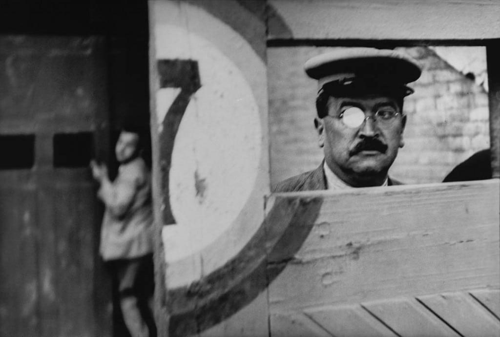 آنری کارتیه برسون. «کوچه والنسیا آرنا»، 1933